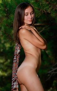 Hot Naked Girl - Belisa%2BG-S01-009.jpg