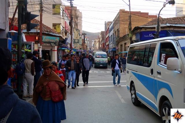 Oruro, micros tra le vie del centro