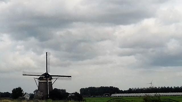 moulin en hollande vivre en camping-car