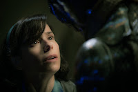 The Shape of Water Sally Hawkins and Doug Jones Image 4 (25)