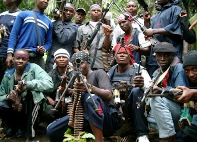 niger delta avenger blows oil pipeline