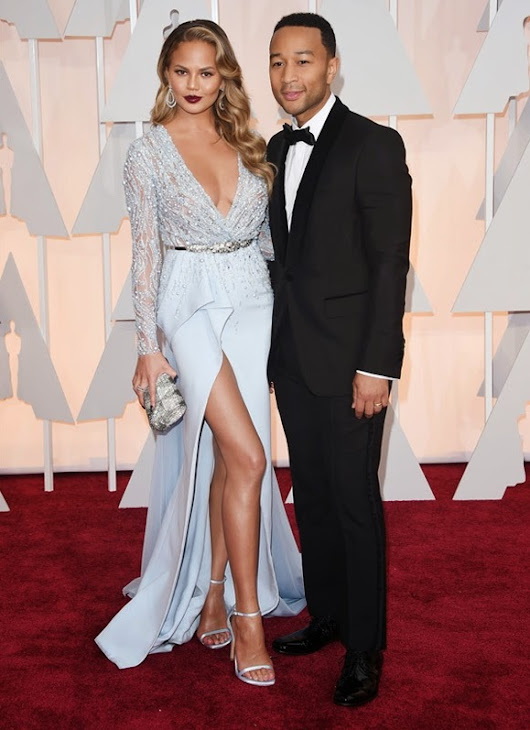 2015 Academy Awards Arrivals: Chrissy Teigen in Zuhair Murad