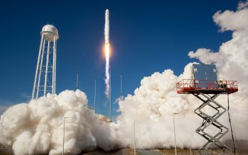 Wallpaper: Antares Rocket Test Launch