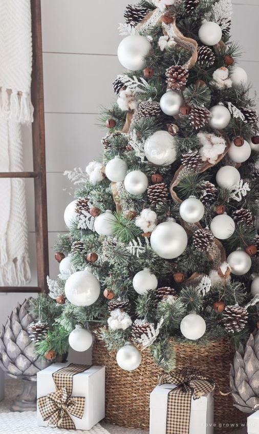 SIMPLE FARMHOUSE CHRISTMAS BEDROOM
