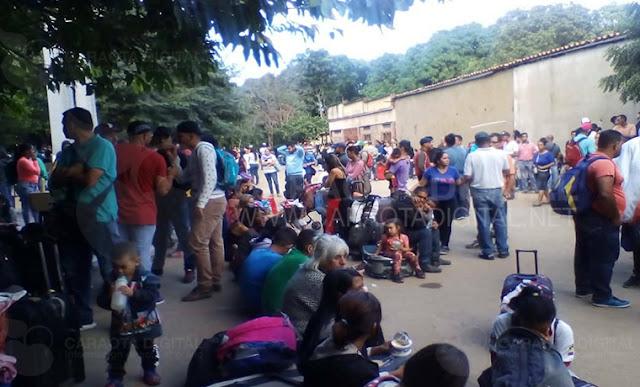 """Saime de la frontera en Táchira """"sin sistema"""" para sellar pasaportes de salida"""