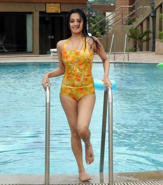 indian masala actress stylish yellow color real bikini expose pictures