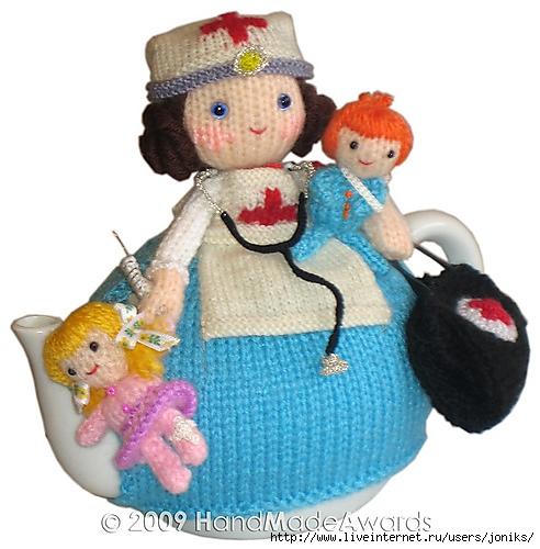 Вязанные куколки-амигуруми на чайник