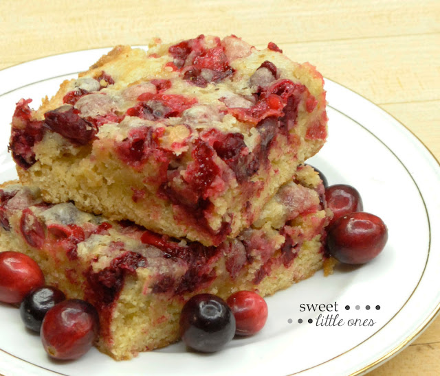 Christmas Cranberry Cake - Simple and Delicious 6 Ingredient, Made-from-Scratch Holiday Cake Recipe - www.sweetlittleonesblog.com