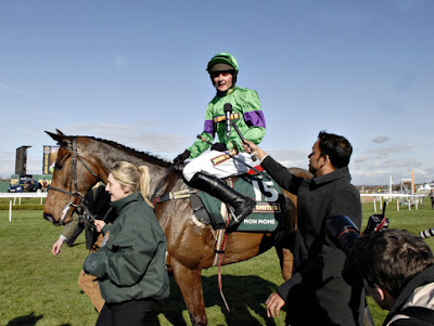 Mon Mome wins Grand National 2009