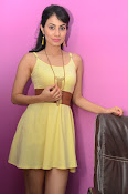 Manisha Kelkar sizzling in Yellow-thumbnail-9