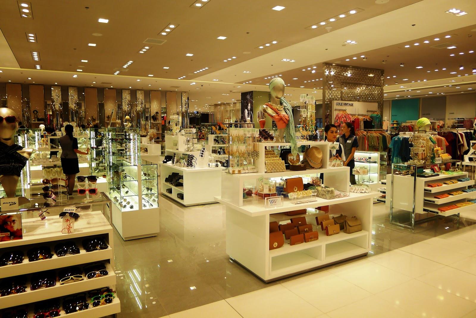 cb3d1b6caa21 Women s accessories section
