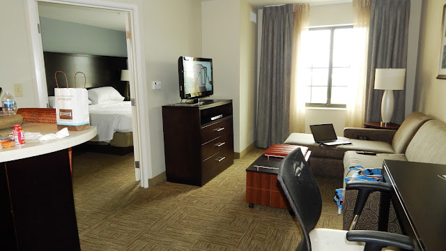 Living area in the StayBridge Suites in Bowling Green Ky -carmapoodale