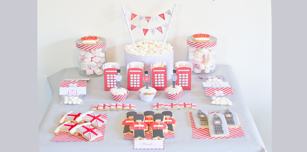 sweet table gourmande cupcake et pots a pop corn