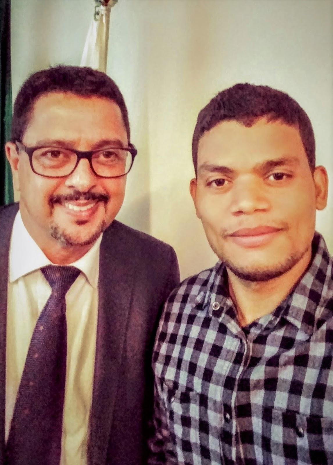 Eu e coordenador do Procon-MG, promotor Amauri Artimos da Matta