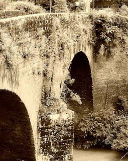 Ponte de Pedra de Dois Irmãos