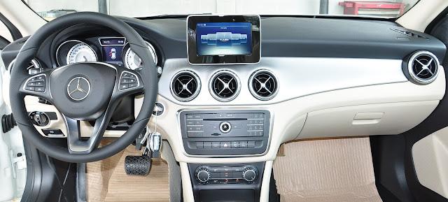 Mercedes GLA 200 sở hữu đầy đủ các tính năng an toàn