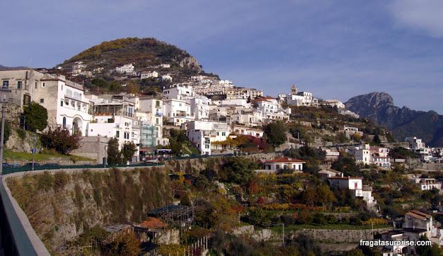Estrada que leva a Ravello, na Costa Amalfitana