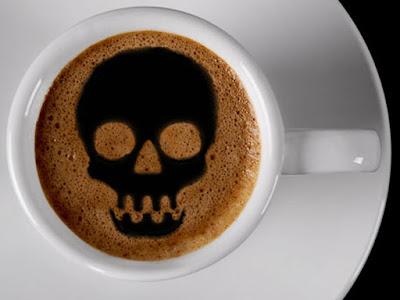 beber café en exceso