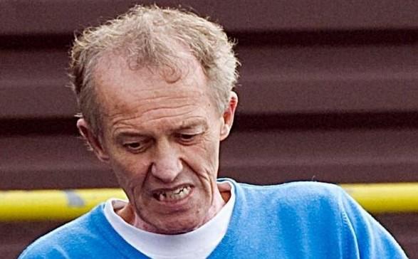 64-летнего бывшего футбольного тренера в Великобритании осудили за непристойные действия и проявления сексуального насилия