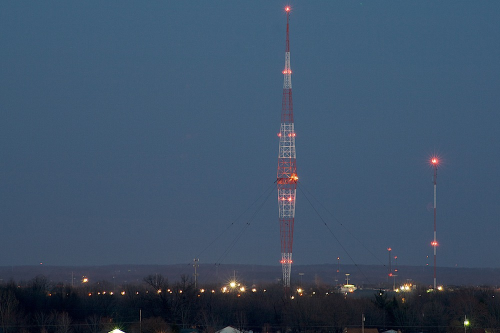 WLW Blaw-Knox antenna in Mason, Ohio