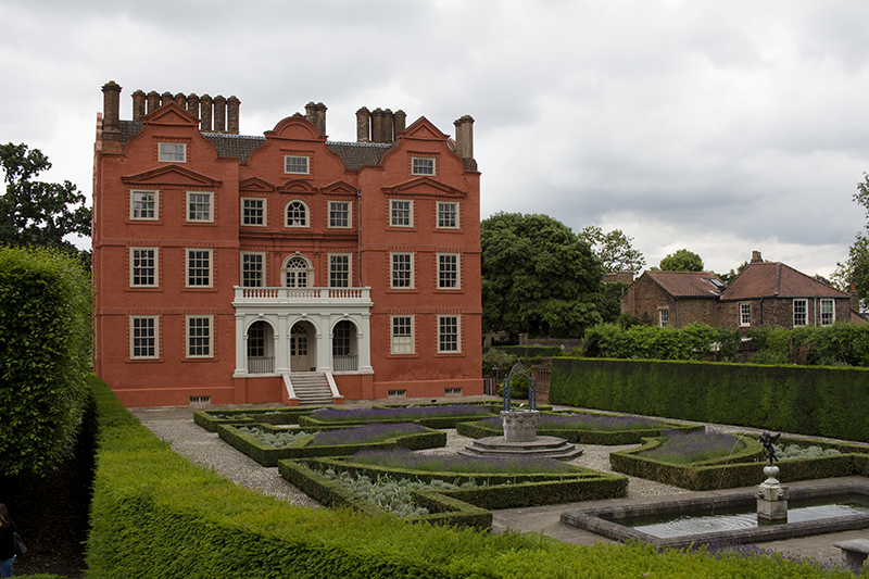 kew palace, park, gardens, attractions, seasonal, Museums and galleries, viewpoint, flowers, grass,