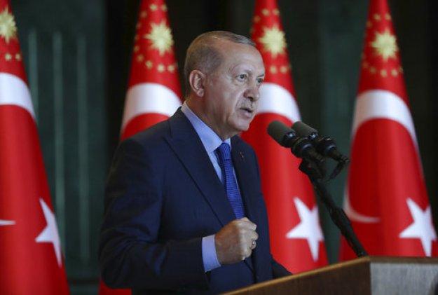 Ερντογάν: Προχωράμε σε μποϊκοτάζ αμερικανικών ηλεκτρονικών προϊόντων