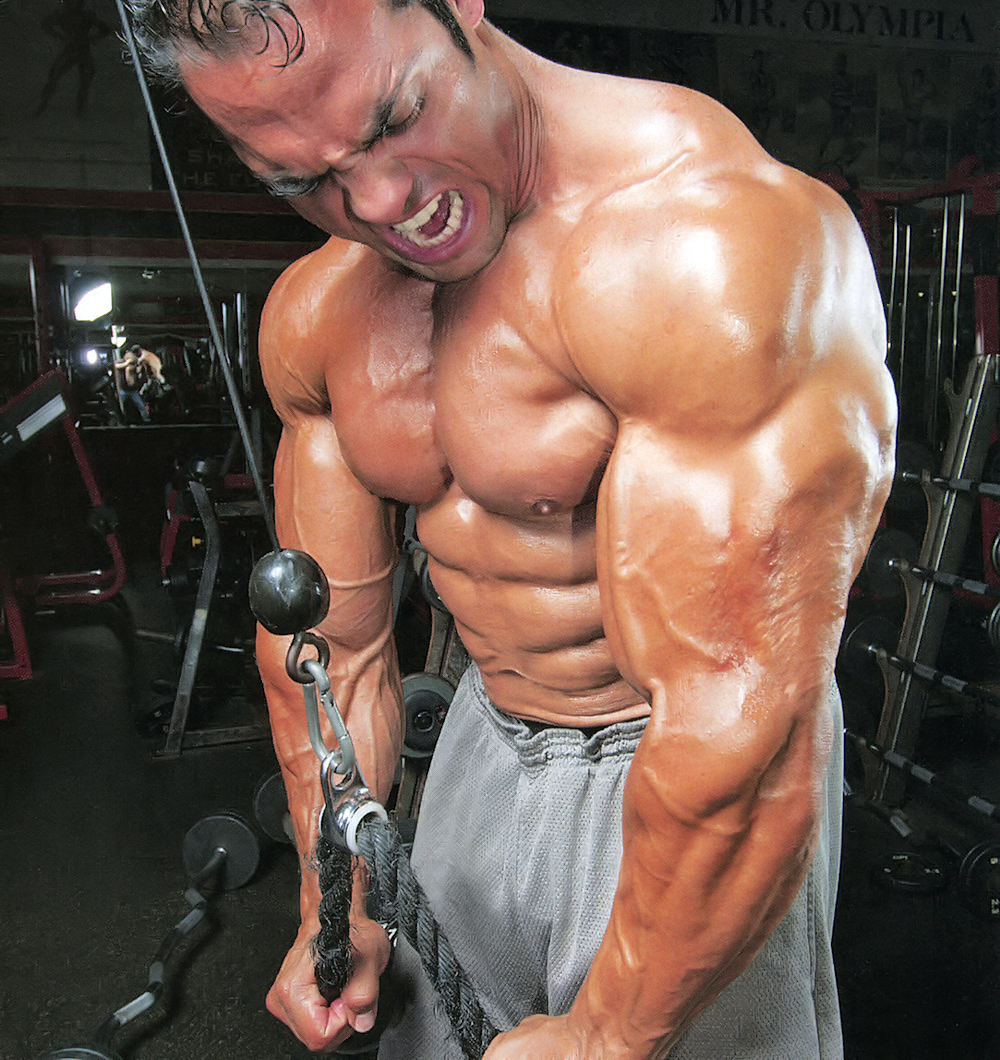 Bodybuilder David Hughes trains, poses - YouTube