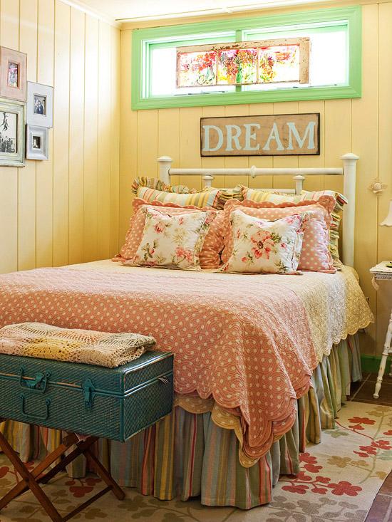 New Home Interior Design: Yellow Color Schemes