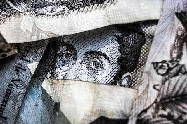 Uniwersalny dochód podstawowy