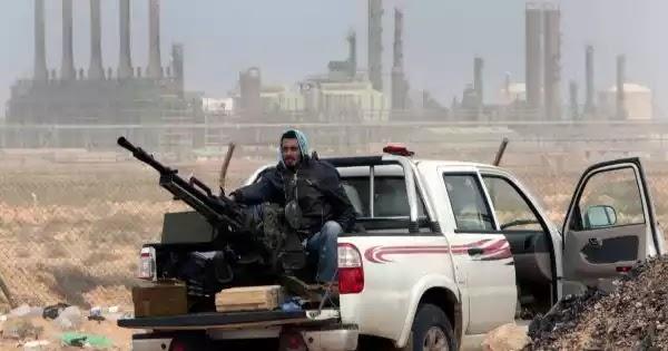 Ο Χαφτάρ έκλεισε τις κάνουλες του πετρελαίου και πιέζει - 50% κάτω η παραγωγή