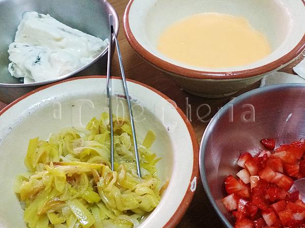 Raviolis de fresa, gorgonzola y puerro