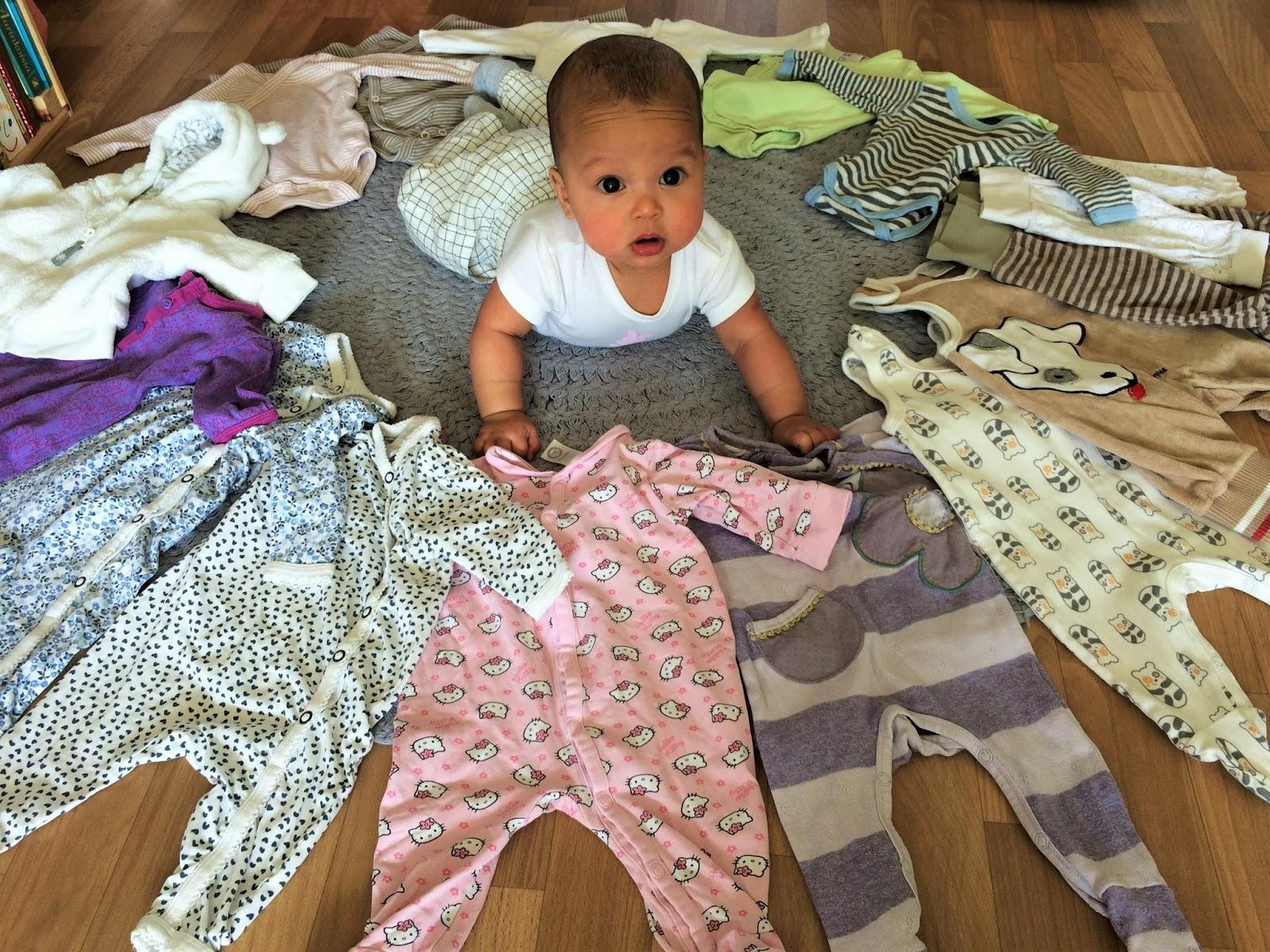 kuinka paljon säästää vauvan vaatteita
