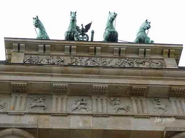 Parte alta de la Puerta de Brandemburgo
