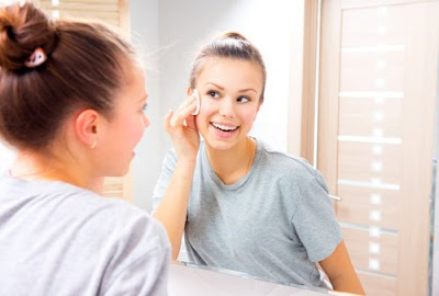 Faites votre propre lotion nettoyante pour tous les types de peau