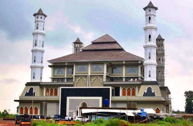Masjid Tajug Gede Cilodong dengan Arsitektur Khas Sunda