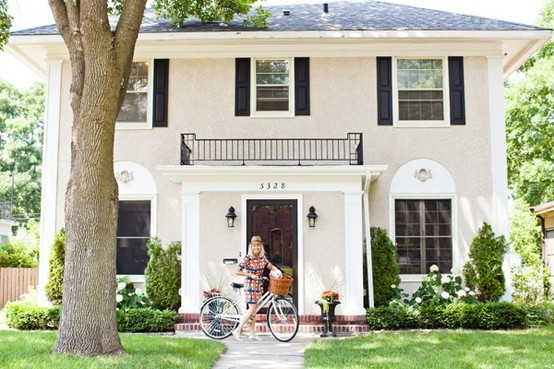 Steward of design some white house love - Black house with white trim ...