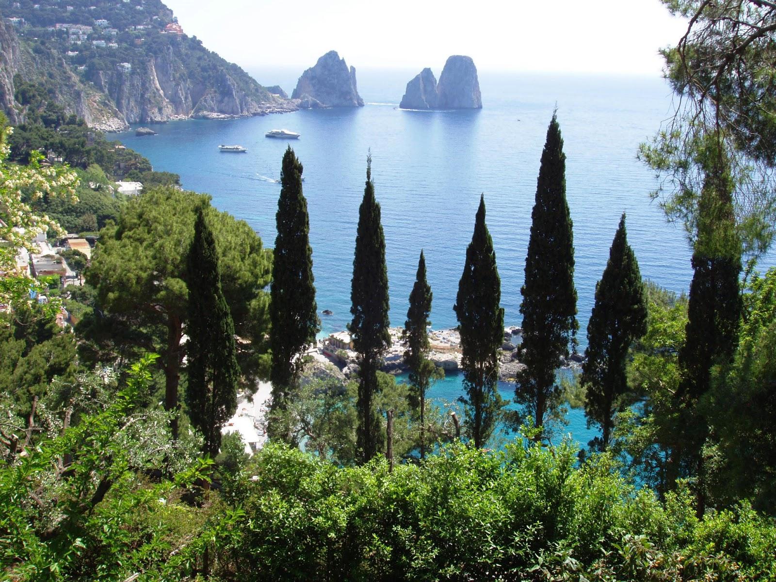 Travel adventures capri a voyage to capri naples for Capri villa