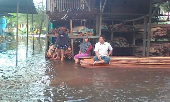 Banjir yang merendam pemukiman warga