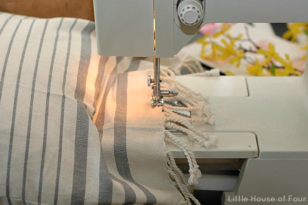 How to make a pillow from a tea towel