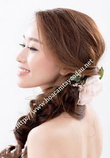 4 mẫu cài tóc cô dâu cho tóc búi đẹp sang trọng và kiêu kì 3