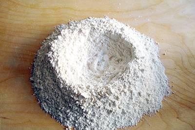 Focaccia funghi, prosciutto e formaggio 1