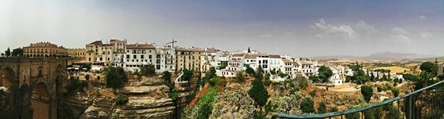 Travel   Andalusien Roadtrip   Ronda - Essen mit Aussicht auf El Tajo   luziapimpinella.com