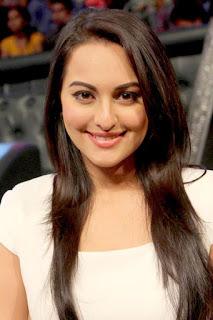 سوناكشي سينها (Sonakshi Sinha)، ممثلة هندية