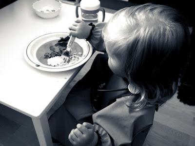 Saippuakuplia olohuoneessa- blogi, kuva Hanna Poikkilehto, brunssi, taapero, lapsi