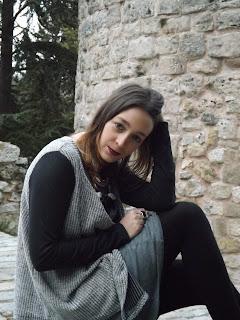 http://conndenoemi.blogspot.com.es/2016/02/vestido-gris-evase.html