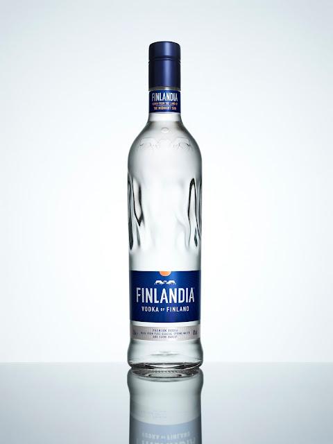 Binh-dung-ruou-Vodka-Finlandia-Vodka-Redesign-duoc-thiet-ke-boi-Cartils