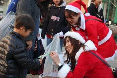 サンタさんがゴミをプレゼントに変えてくれる