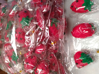 Gantungan Kunci Strawbery Bagus Untuk Souvenir Pernikahan TTM10017-1