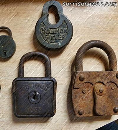 Cadeados antigos - Sorriso na Web