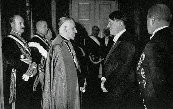 Ultimate Collection Of Rare Historical Photos. A Big Piece Of History (200 Pictures) - Meeting of Pope Pius XI with Adolf Hitler.